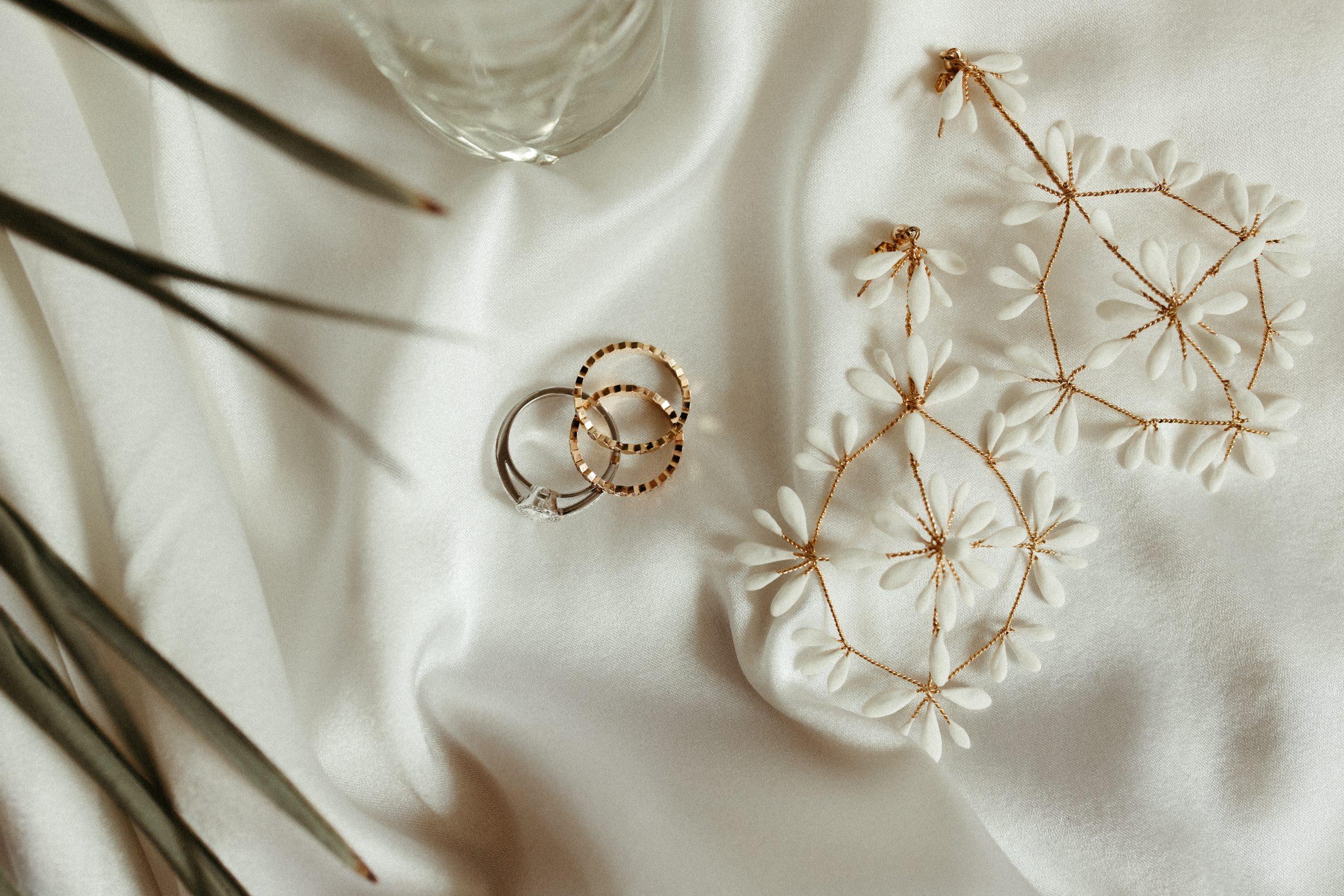 UTOPICLOVERS20200702 – EDITO Jérémie Sésanne Lajarveniere 6903 scaled - Un mariage élégant et végétal dans le Beaujolais