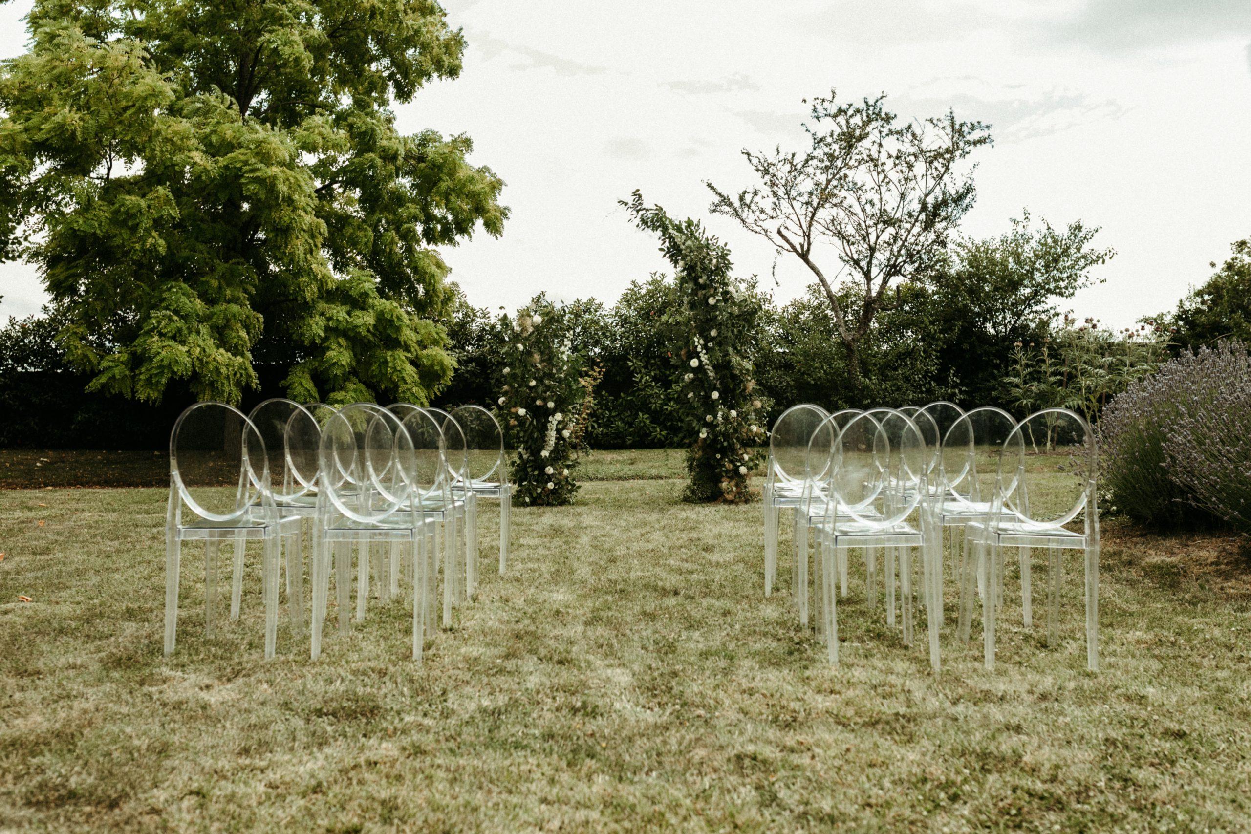 UTOPICLOVERS20200702 – EDITO Jérémie Sésanne Lajarveniere 7653 scaled - Un mariage élégant et végétal dans le Beaujolais