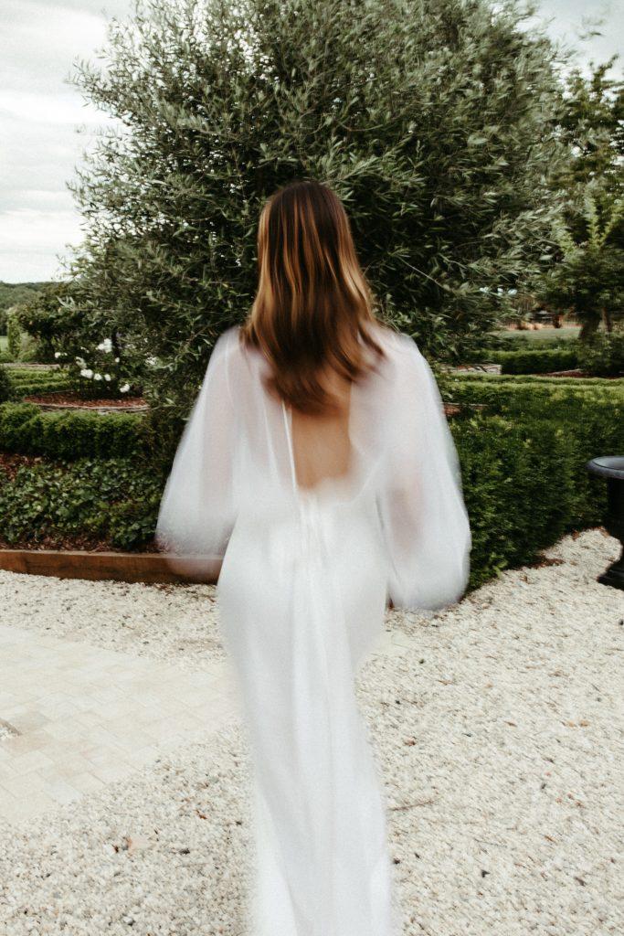 UTOPICLOVERS20200702 – EDITO Jérémie Sésanne Lajarveniere 8606 683x1024 - Un mariage élégant et végétal dans le Beaujolais