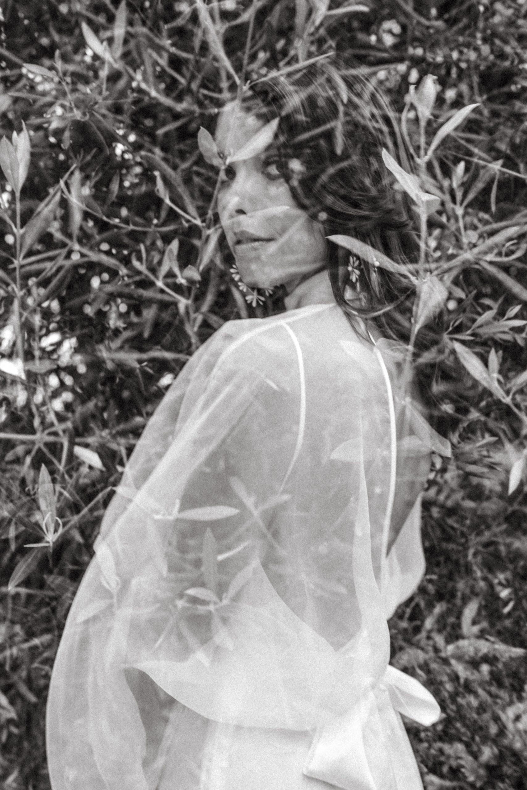 UTOPICLOVERS20200702 – EDITO Jérémie Sésanne Lajarveniere 8619 scaled - Un mariage élégant et végétal dans le Beaujolais