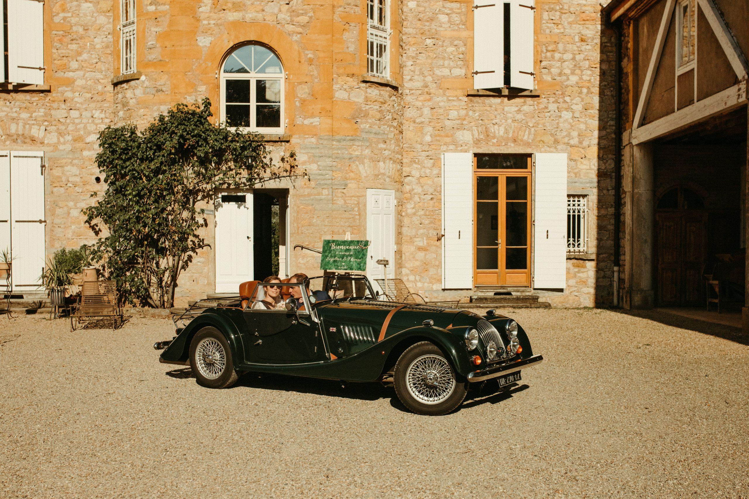 UTOPICLOVERS20200718 – MARIAGE Segolene Thomas 11289 scaled - Un mariage simple et joyeux au Manoir Tourieux dans le beaujolais.