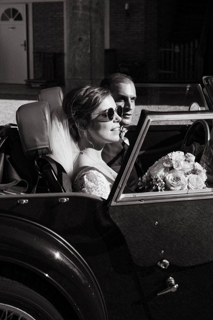UTOPICLOVERS20200718 – MARIAGE Segolene Thomas 11304 2 683x1024 - Un mariage simple et joyeux au Manoir Tourieux dans le beaujolais.