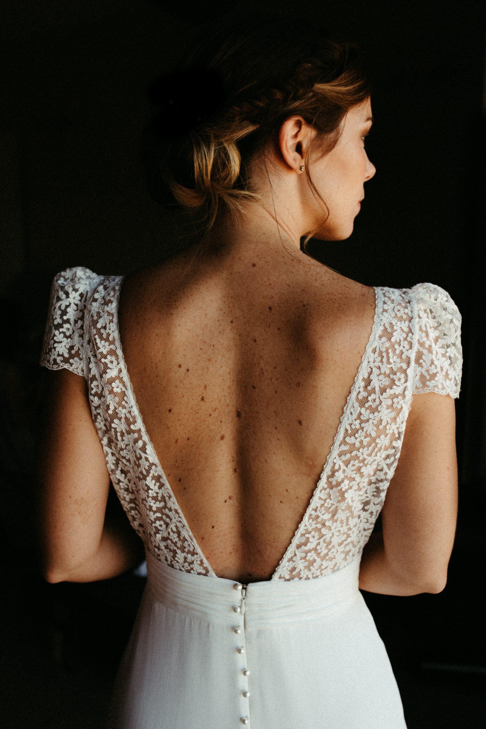 UTOPICLOVERS20200718 – MARIAGE Segolene Thomas 9475 3 scaled - Un mariage simple et joyeux au Manoir Tourieux dans le beaujolais.