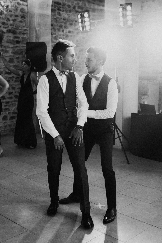 UTOPICLOVERS20200822 – MARIAGE JosGau 32046 1 683x1024 - Le mariage de Joseph et Gautier au château des Ravatys.