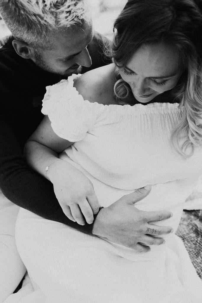 UTOPICLOVERS20200915 – LPP EDITO 37728 2 683x1024 - Une séance maternité romantique pour Les Petits Pamplemousses.
