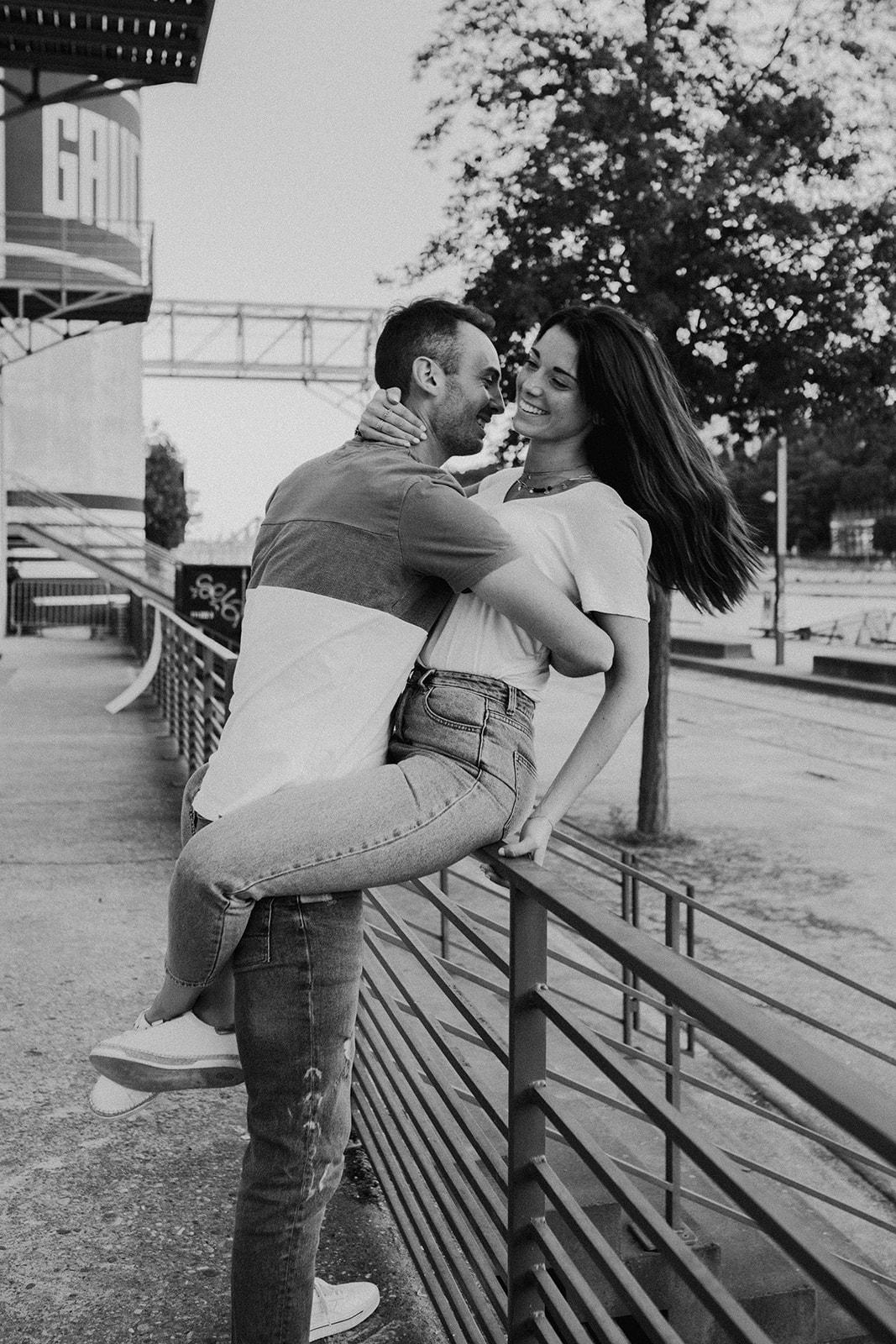 UTOPICLOVERS 2020 05 29 COUPLE NoeVin 23 - Une séance couple urbaine à Lyon.