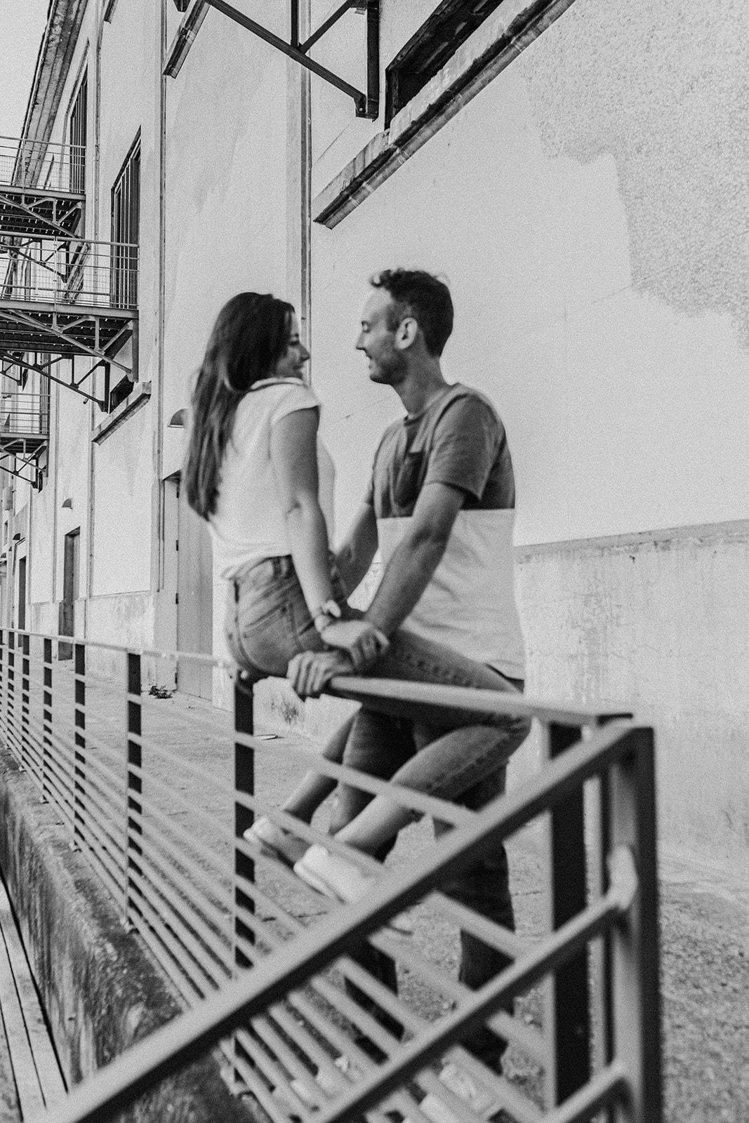 UTOPICLOVERS 2020 05 29 COUPLE NoeVin 32 - Une séance couple urbaine à Lyon.