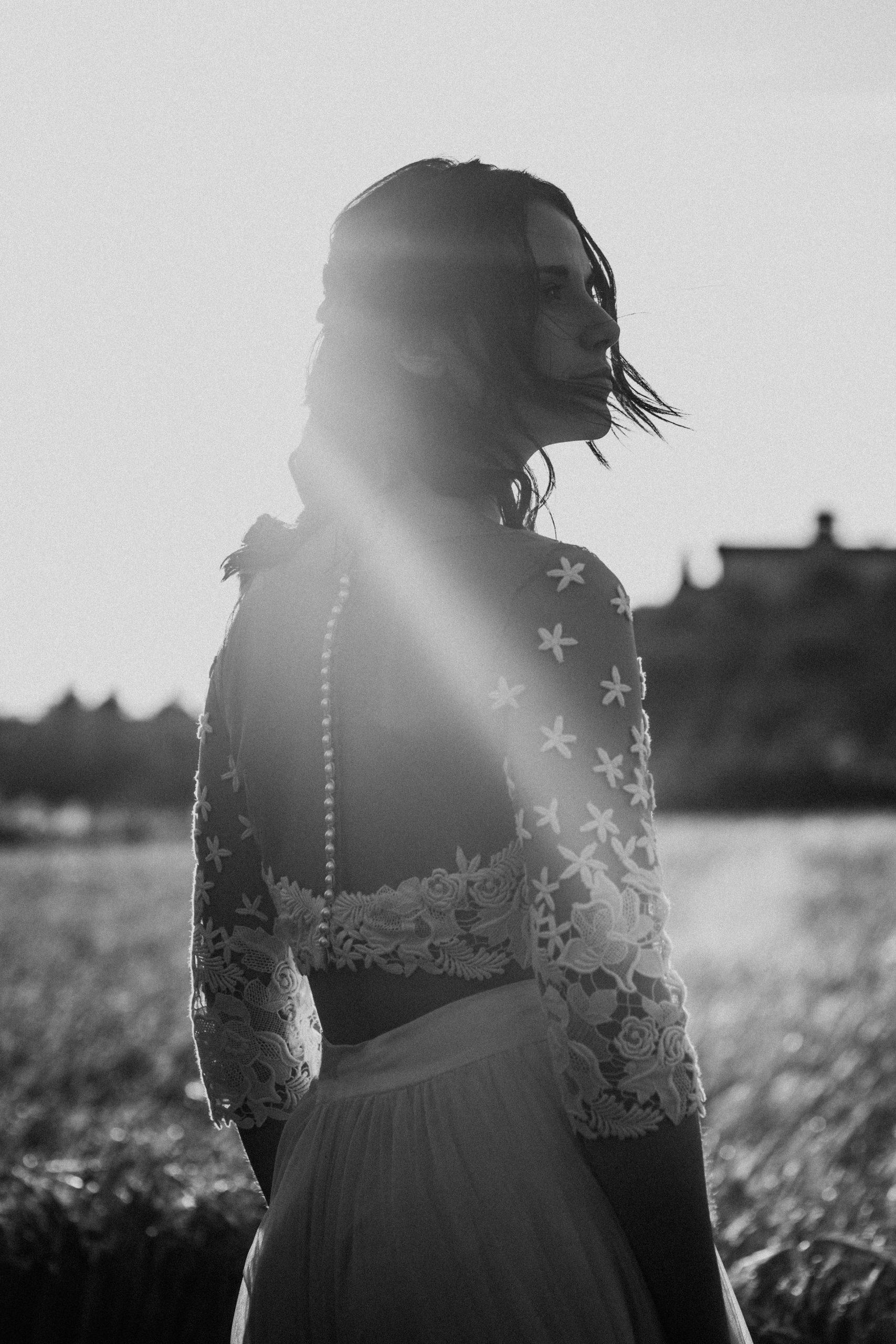 UtopicLovers film photo Mariage Elopement 2019 1 scaled - Une fugue amoureuse dans les champs de blé à 1h de Lyon.