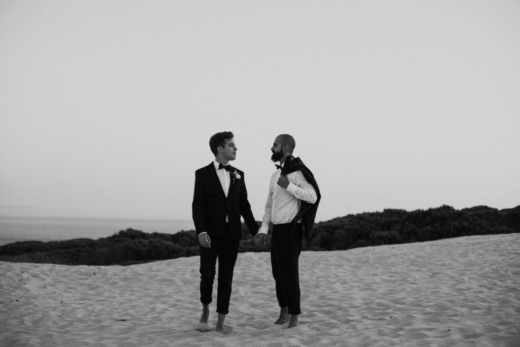 UtopicLovers film photo Mariage Elopement 2019 129 1 1024x683 - Se dire oui les pieds dans le sable en Andalousie.