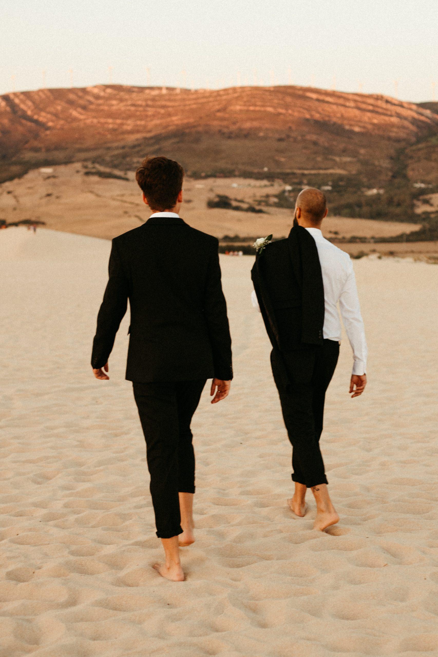 UtopicLovers film photo Mariage Elopement 2019 133 1 scaled - Se dire oui les pieds dans le sable en Andalousie.