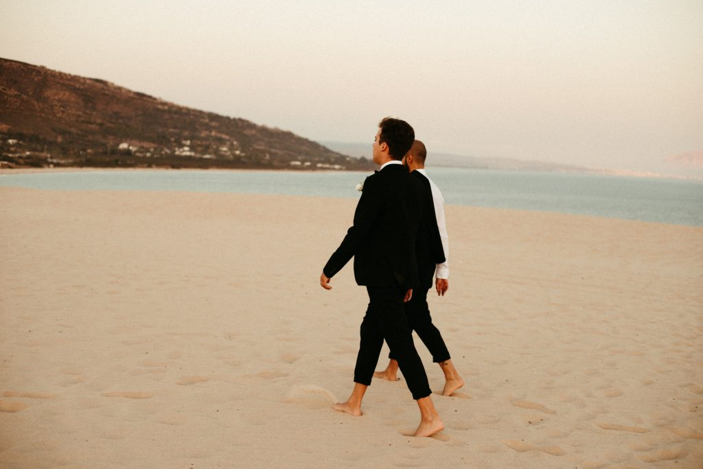 UtopicLovers film photo Mariage Elopement 2019 134 1 1024x683 - Se dire oui les pieds dans le sable en Andalousie.