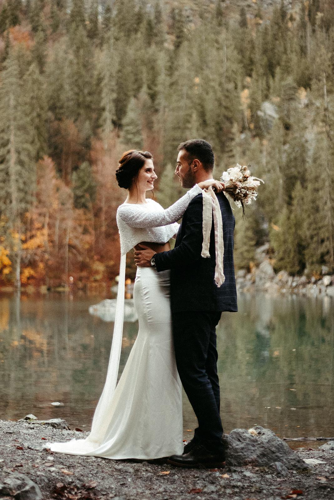 UtopicLovers film photo Mariage Elopement 2019 139 1 - Un elopement entre lac émeraude et forêt de sapins à Chamonix.