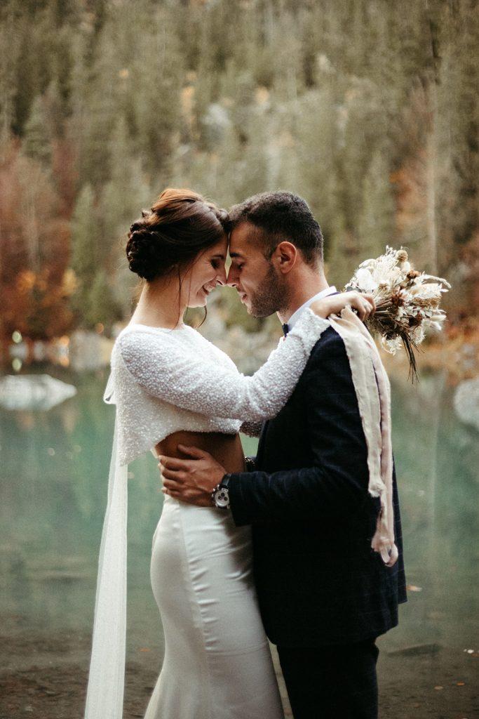 UtopicLovers film photo Mariage Elopement 2019 140 1 683x1024 - Un elopement entre lac émeraude et forêt de sapins à Chamonix.