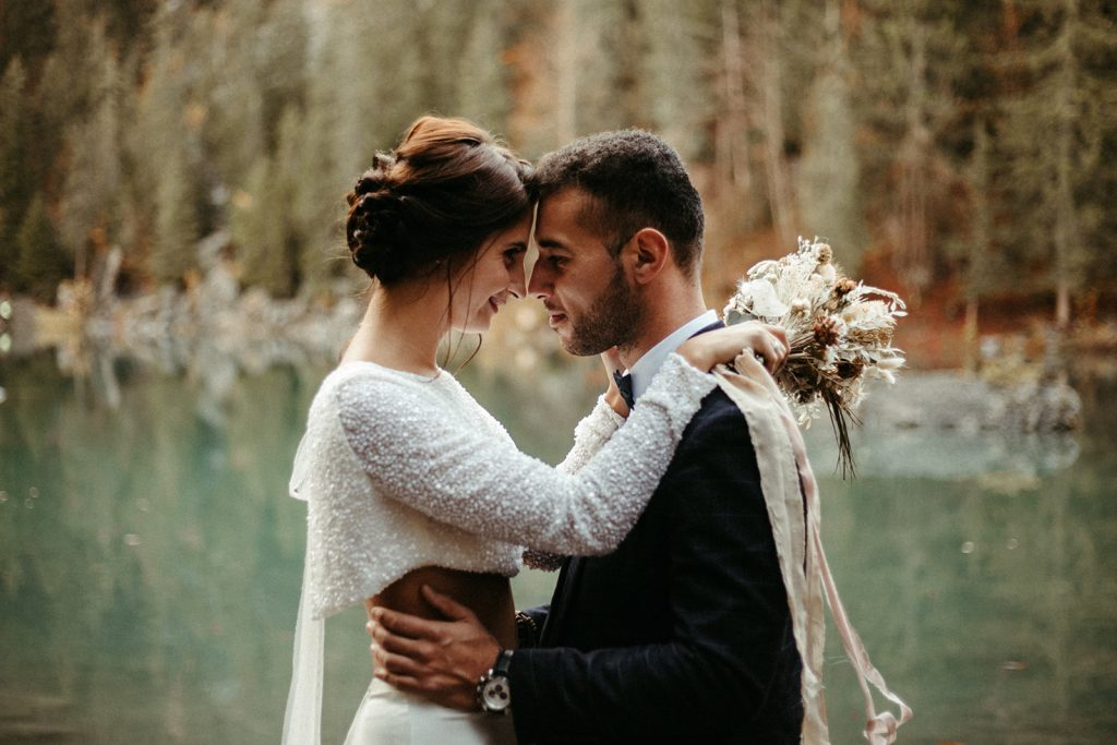 UtopicLovers film photo Mariage Elopement 2019 141 1 1024x683 - Un elopement entre lac émeraude et forêt de sapins à Chamonix.