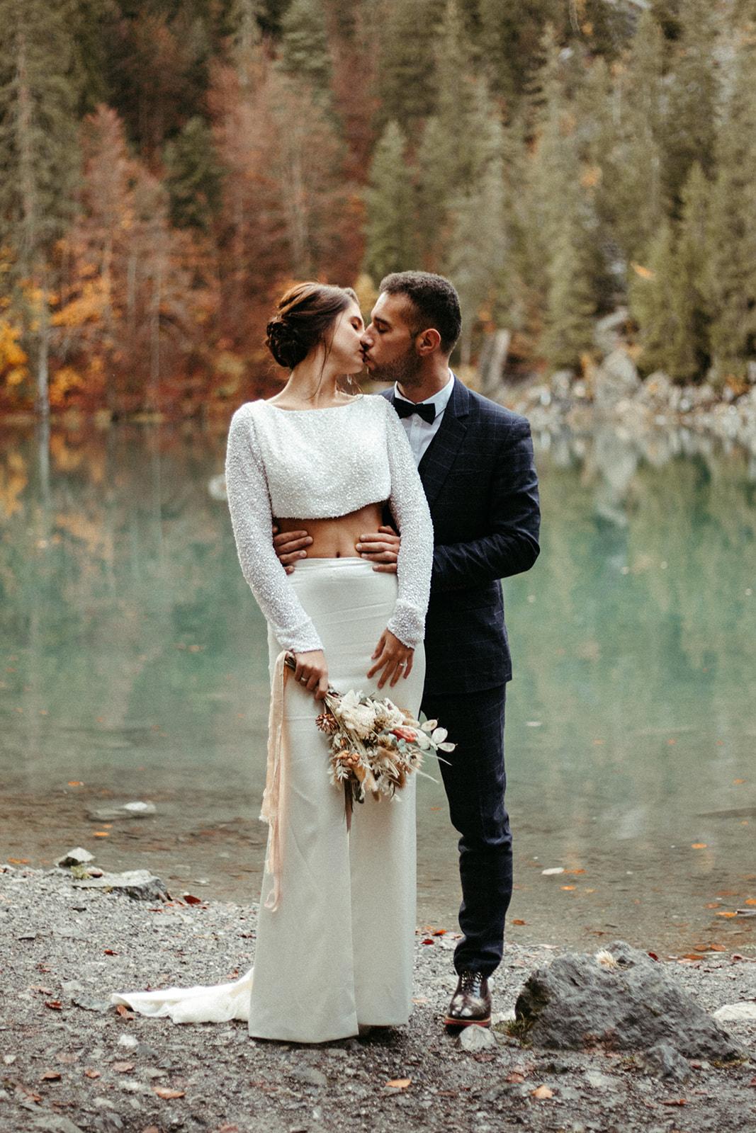 UtopicLovers film photo Mariage Elopement 2019 148 1 - Un elopement entre lac émeraude et forêt de sapins à Chamonix.