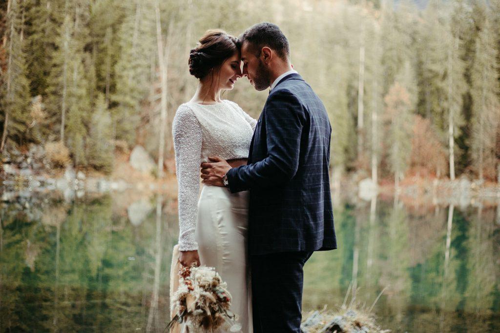 UtopicLovers film photo Mariage Elopement 2019 151 1 1024x683 - Un elopement entre lac émeraude et forêt de sapins à Chamonix.