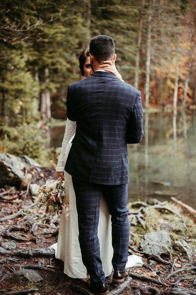 UtopicLovers film photo Mariage Elopement 2019 153 1 683x1024 - Un elopement entre lac émeraude et forêt de sapins à Chamonix.