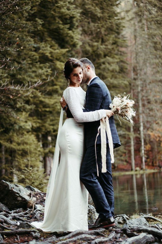 UtopicLovers film photo Mariage Elopement 2019 154 1 683x1024 - Un elopement entre lac émeraude et forêt de sapins à Chamonix.