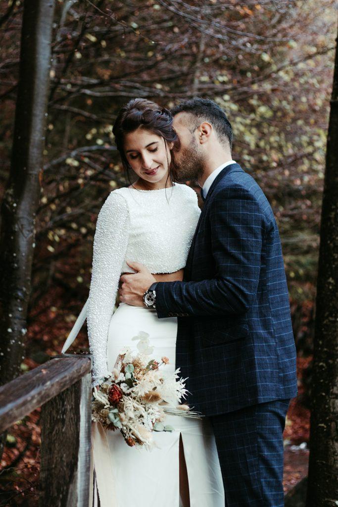 UtopicLovers film photo Mariage Elopement 2019 157 1 683x1024 - Un elopement entre lac émeraude et forêt de sapins à Chamonix.