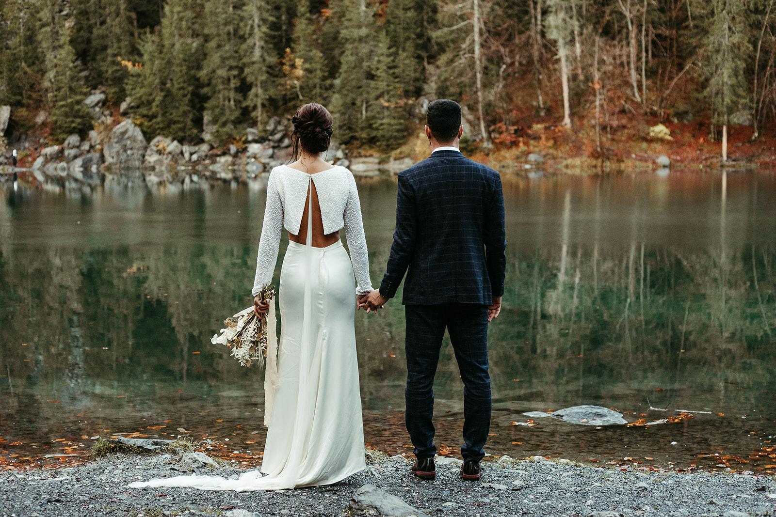 UtopicLovers film photo Mariage Elopement 2019 160 1 - Un elopement entre lac émeraude et forêt de sapins à Chamonix.