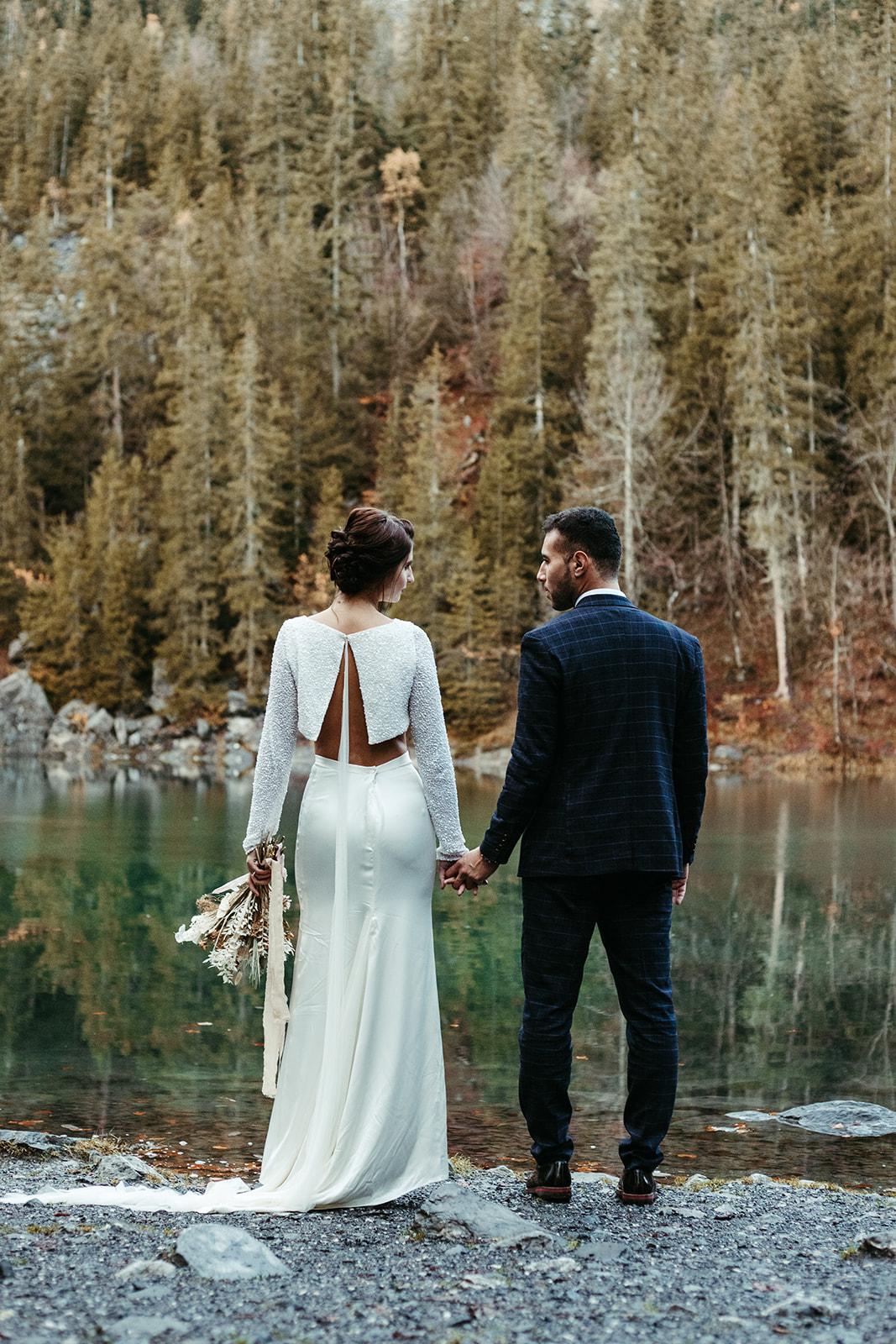 UtopicLovers film photo Mariage Elopement 2019 161 1 - Un elopement entre lac émeraude et forêt de sapins à Chamonix.