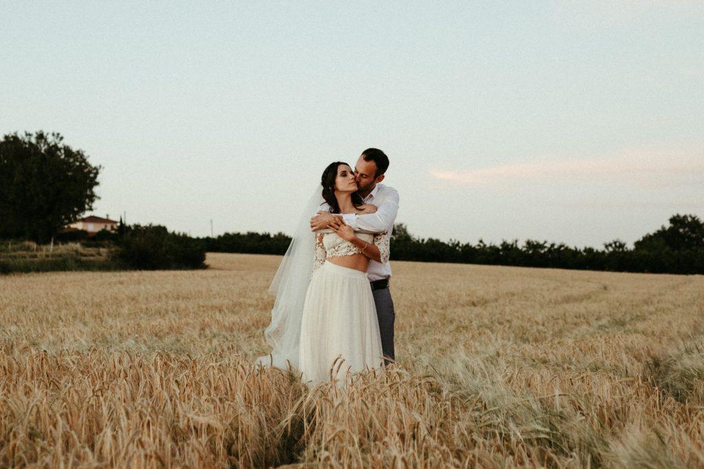 UtopicLovers film photo Mariage Elopement 2019 20 1 1024x683 - Une fugue amoureuse dans les champs de blé à 1h de Lyon.