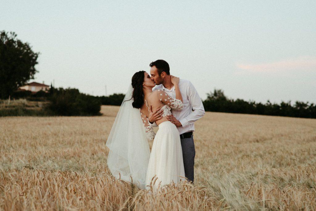 UtopicLovers film photo Mariage Elopement 2019 25 3 1024x683 - Une fugue amoureuse dans les champs de blé à 1h de Lyon.
